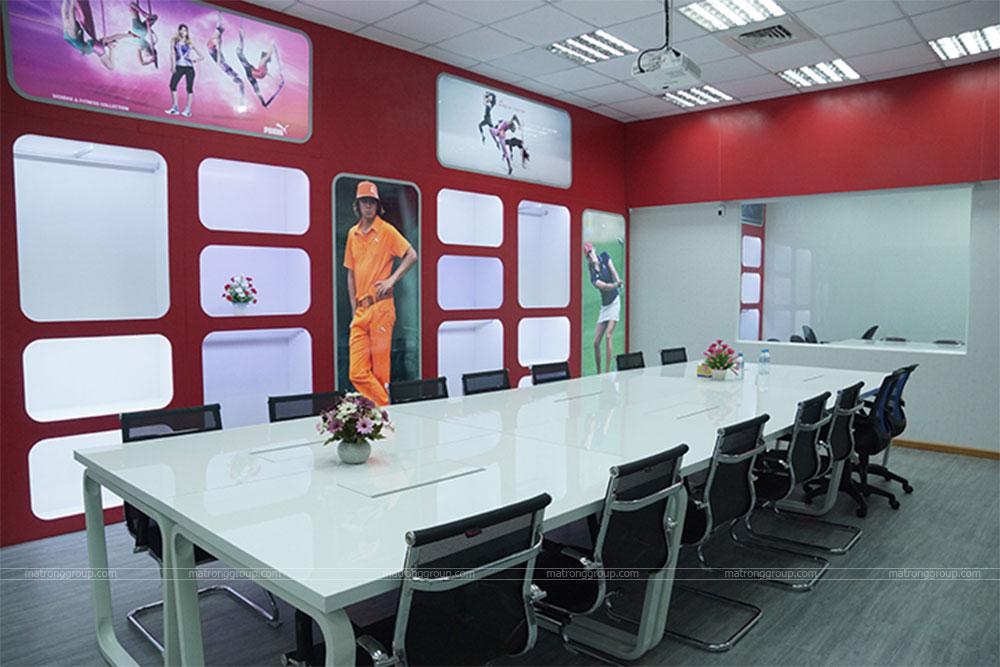 thiết kế showroom thời trang Puma 6