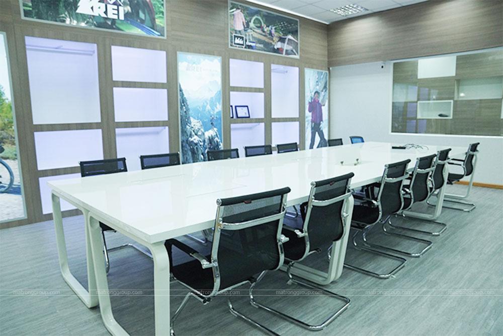 thiết kế thi công trụ sở văn phòng làm việc REI 3