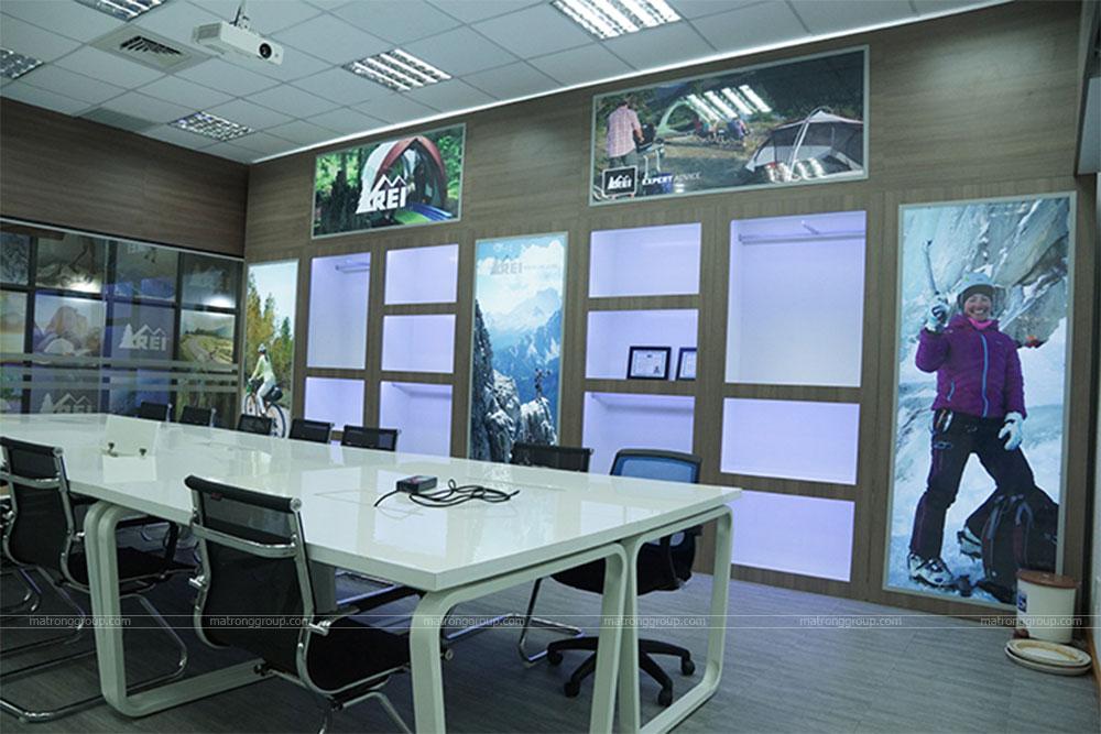 thiết kế thi công trụ sở văn phòng làm việc REI 4