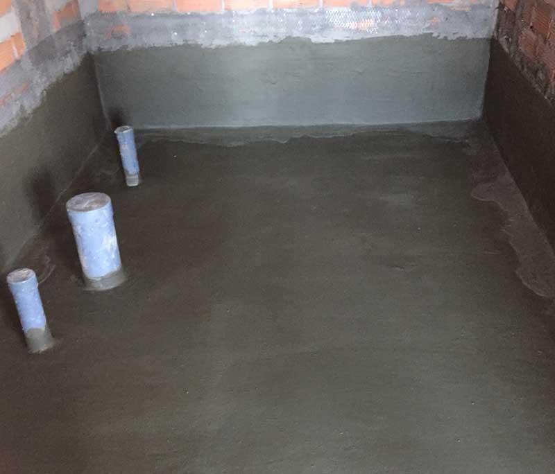Một công đoạn trong quá trình chống thấm nhà vệ sinh